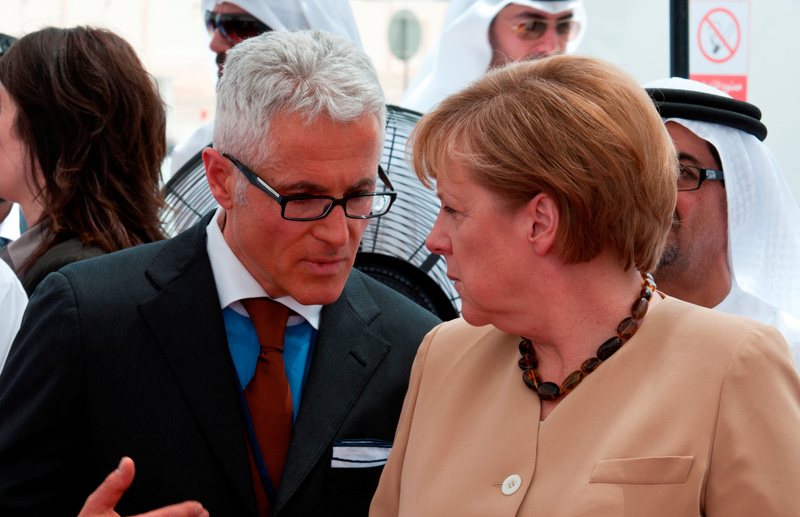 German Chancellor Angela Merkel and Philipp Bayat in Abu Dhabi in May 2010. In May 2011 they will travel together to India and Singapore.